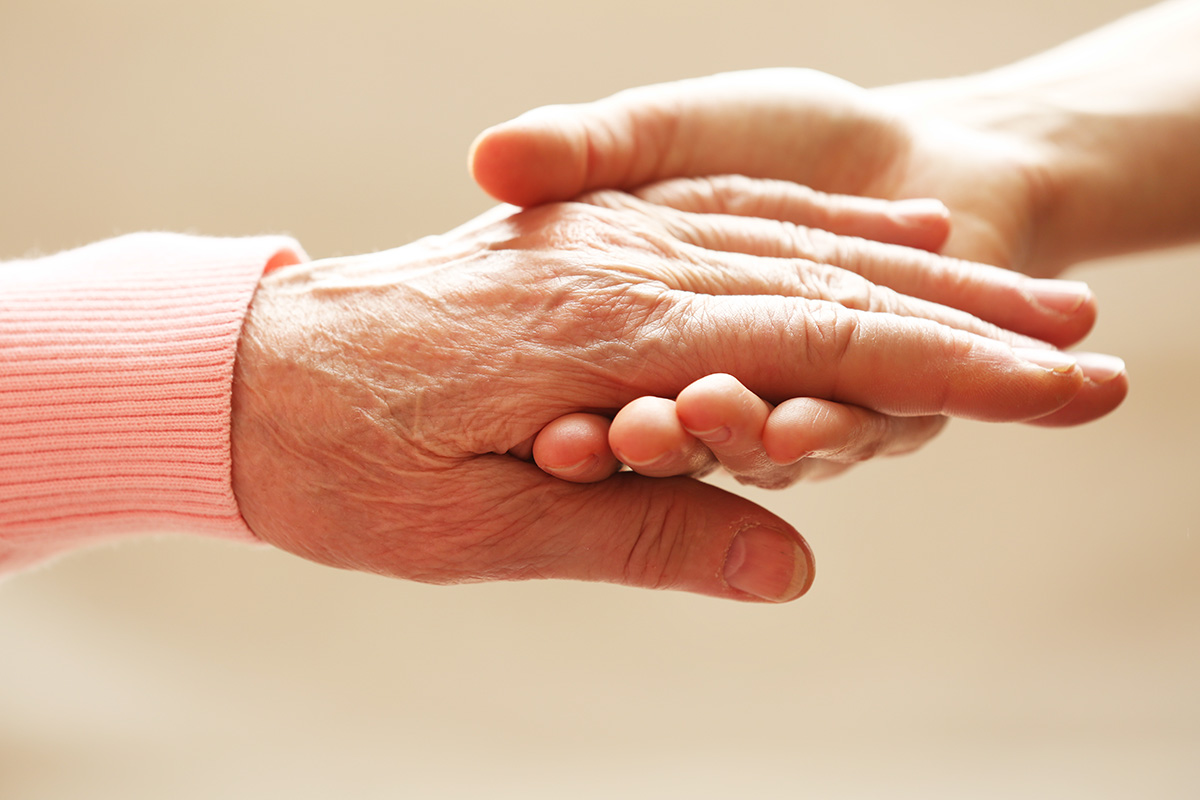 Senioren-Assistenten HELP begleiten Demenzpatienten