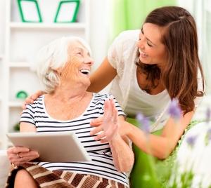 Anfrage für eine Seniorenassistenz durch HELP-zertifizierte Experten & Gesellschafter